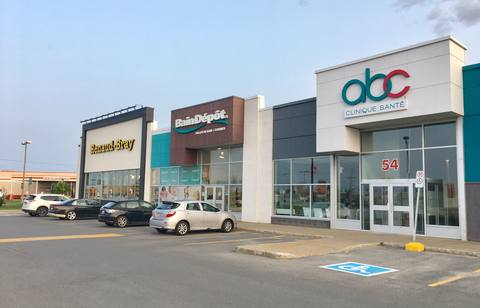 Vaudreuil Shopping Centre